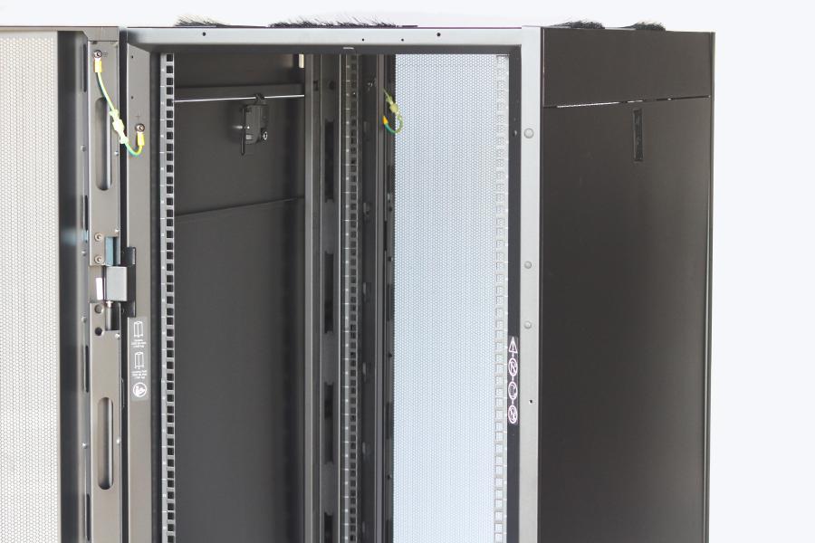 Apc 42u Model Ar3100 With Side Panels