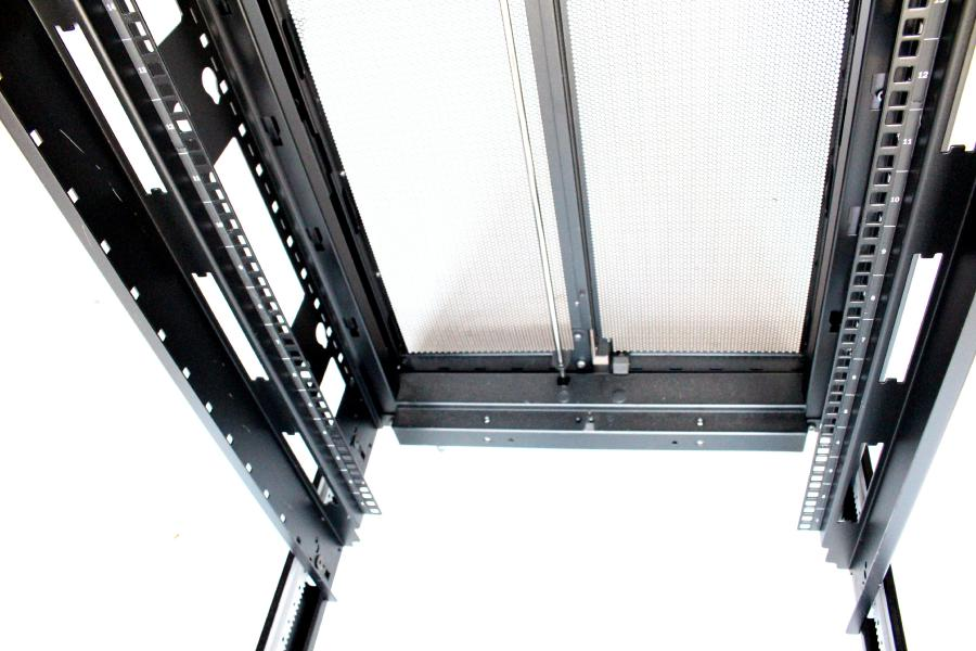 Apc 42u Model Ar3100 No Side Panels